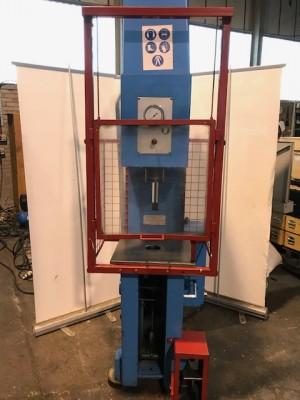 JH Shand Type 8ton O-T Hydrualic Press