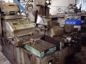 RUSSELL HYDRAFEED COLD SAW